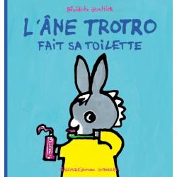 L'âne Trotro fait sa toilette